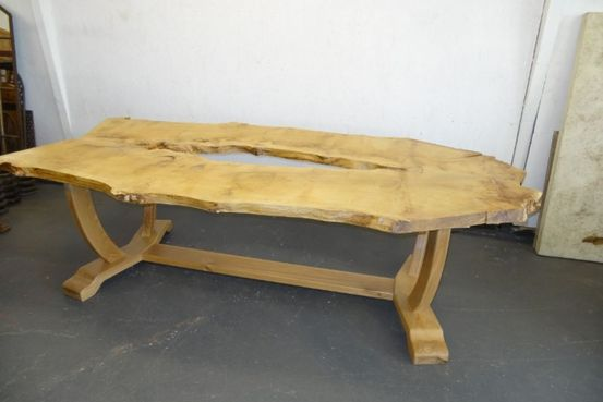 Oak Wish Bone Table Feature Image