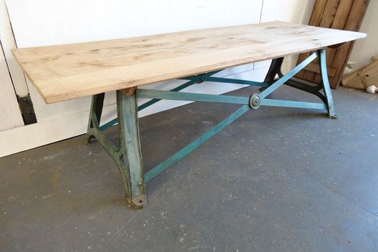 New Oak Board Top Table Feature Image